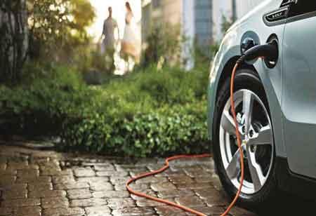 3 Ways to Pair EVs with Renewable Energy