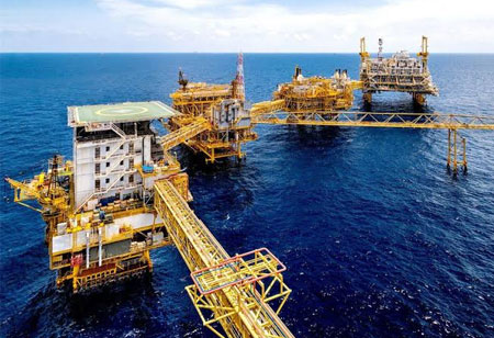 How is AI Digitizing Offshore Oil and Gas?